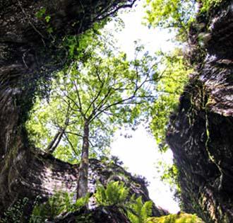 The ravines of Uriezzo from Premia - itinerarium
